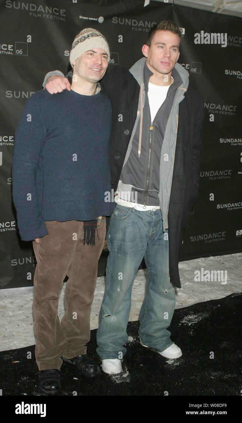 """Regisseur/Drehbuchautor Dito Monti (L) und Channing Tatum kommen an einem Screening von """"ein Leitfaden für die Erkennung ihrer Heiligen' für Sundance 2006 Racquet Club in Park City, Utah am 20. Januar 2006. (UPI Foto/Roger Wong) Stockbild"""