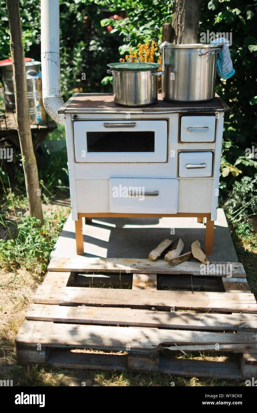 Outdoor küche holz. 🏷️ 75 Best Outdoor küche selber bauen ...