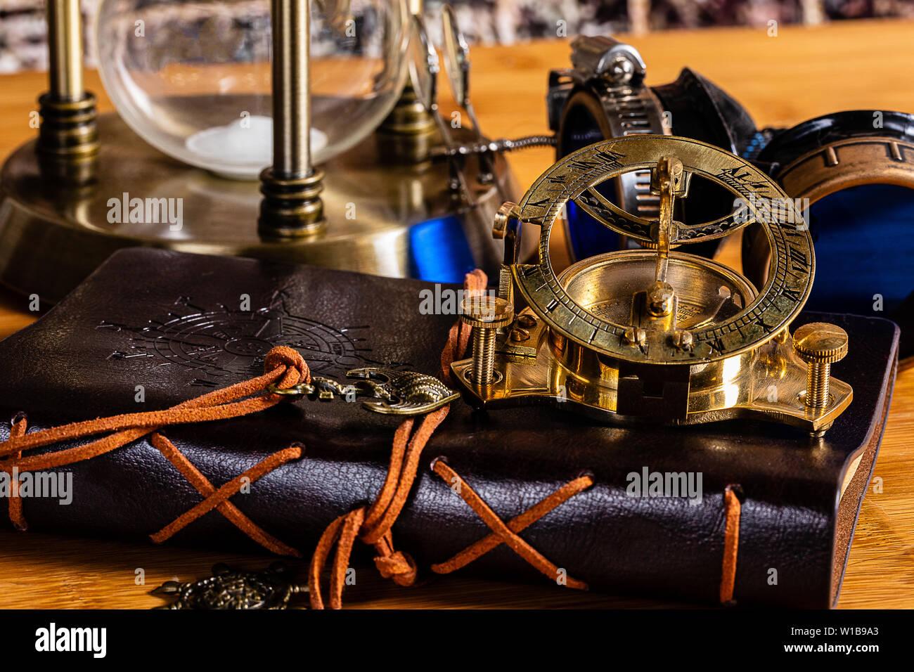nautical compass stockfotos nautical compass bilder alamy. Black Bedroom Furniture Sets. Home Design Ideas