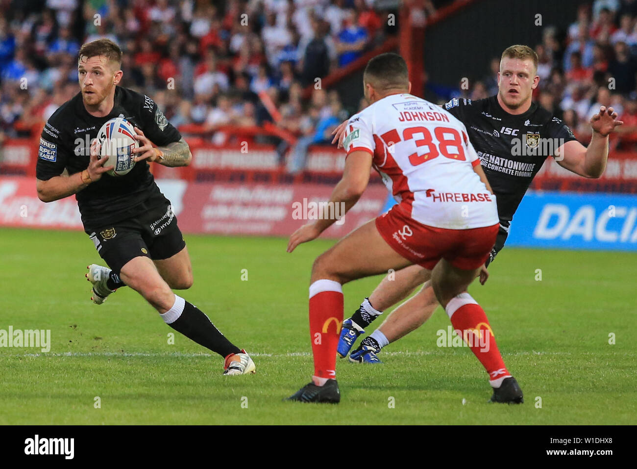 27.Juni 2019, kcom Craven Park, Hull, England; Betfred Super League, Runde 20, Rumpf Kr vs Rumpf FC; Marc Sneyd (7) von Hull FC läuft mit dem Ball Credit: David Grieben/News Bilder Stockfoto