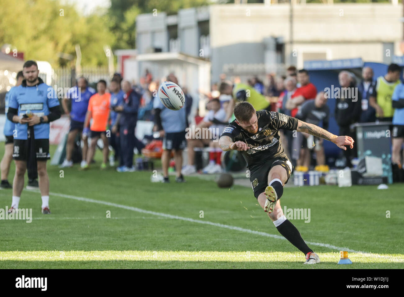27.Juni 2019, kcom Craven Park, Hull, England; Betfred Super League, Runde 20, Rumpf Kr vs Rumpf FC; Marc Sneyd (7) von Hull FC wandelt Credit: Mark Cosgrove/News Bilder Stockfoto