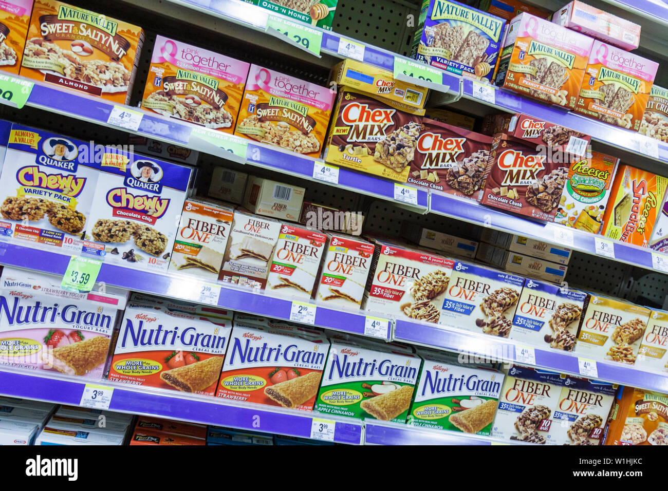Miami Beach, Florida 41st Street Arthur Godfrey Road Walgreens Walgreens Drug Store Apothekenkette Geschäft Lebensmittel Cereal Bar Stockfoto