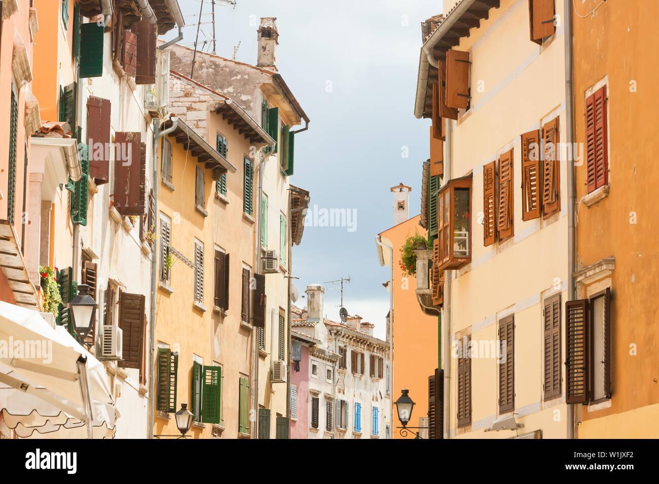 Rovinj, Istrien, Kroatien, Europa - Lebendige Geschichte in den Gassen von Rovinj Stockfoto