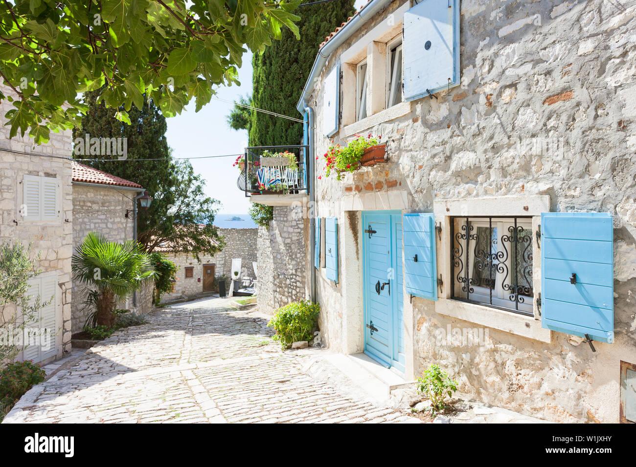 Rovinj, Istrien, Kroatien, Europa - malerische Gasse des Mittelalters Stockfoto