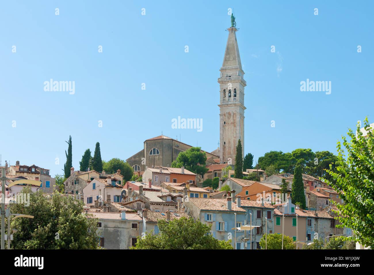 Rovinj, Istrien, Kroatien, Europa - Turm der Kirche der hl. Euphemia Stockfoto