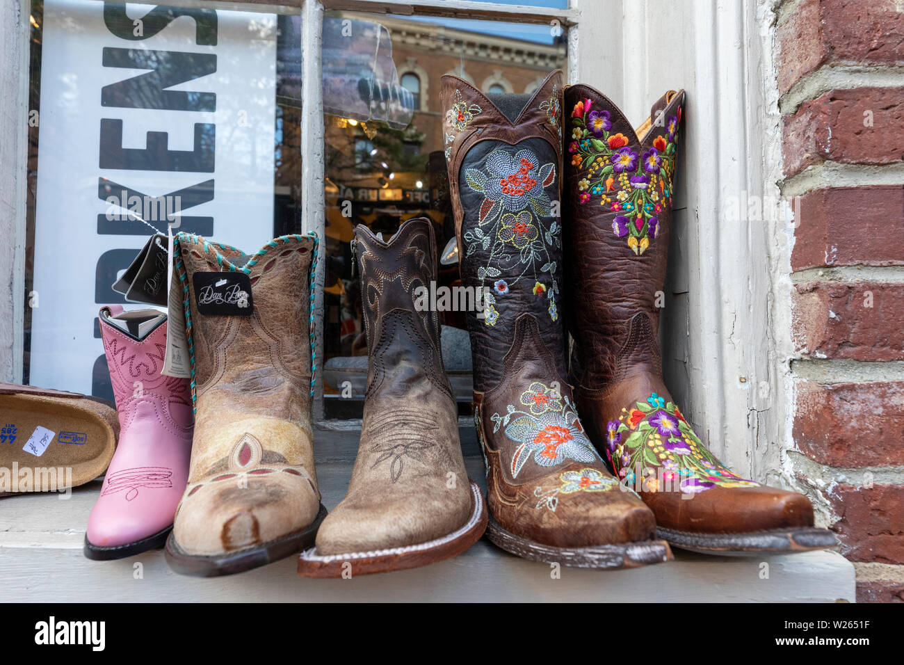 Decorated Boots Stockfotos & Decorated Boots Bilder Alamy