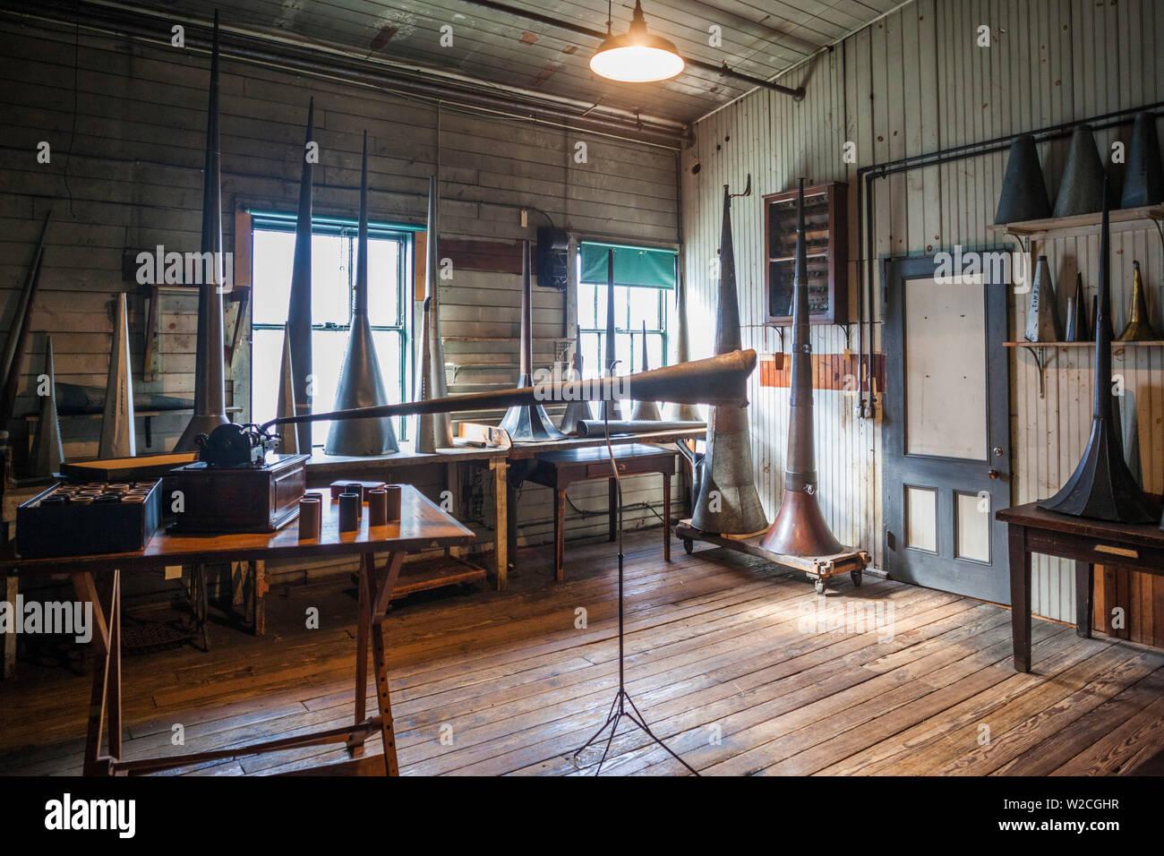 USA, New Jersey, West Orange, Thomas Edison National Historical Park, Interieur, Prototyp-Hörner für frühen Spieler von Tonträgern Stockfoto