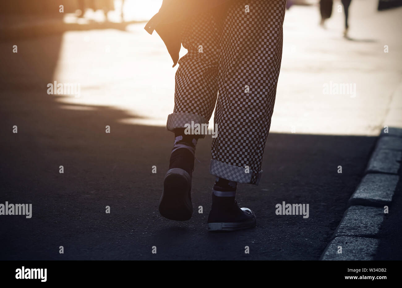 Weite Hosen Stockfotos & Weite Hosen Bilder Alamy