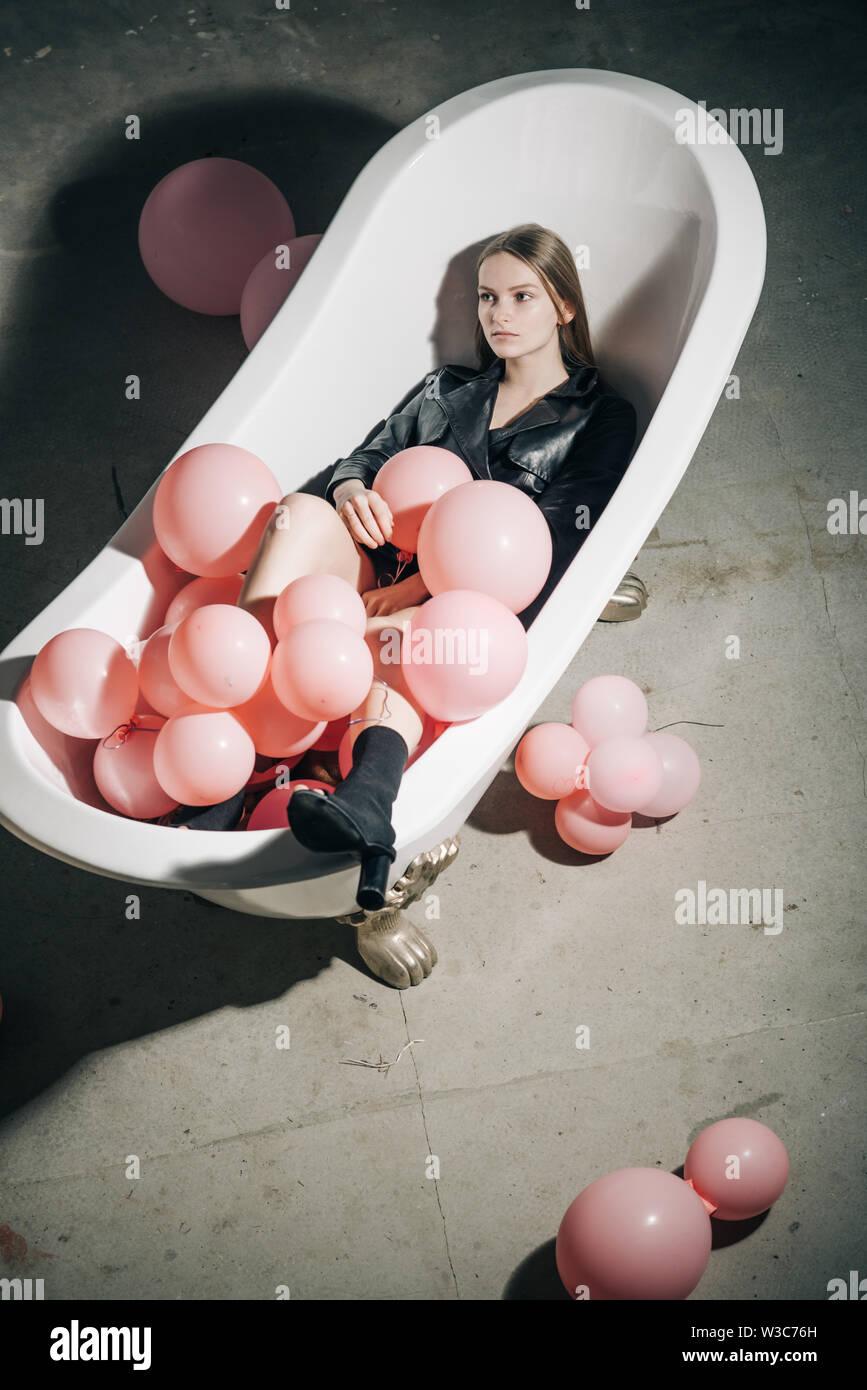 Blasen In Der Wanne Stockfotos Blasen In Der Wanne Bilder Alamy