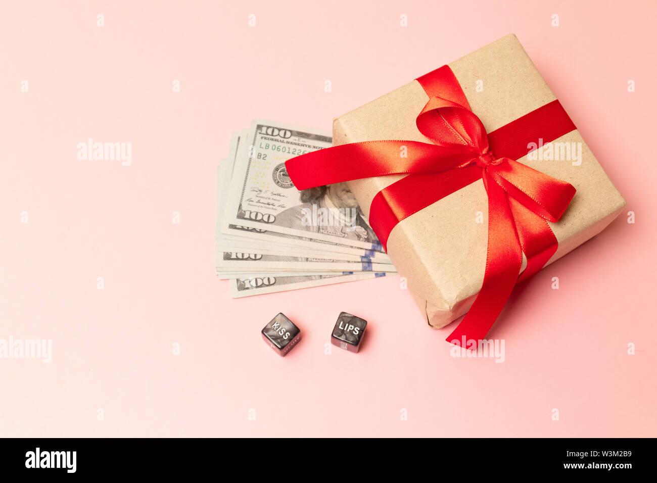 Konzept Geld Als Geschenk Gewinnen Oder Bonus Herzlichen