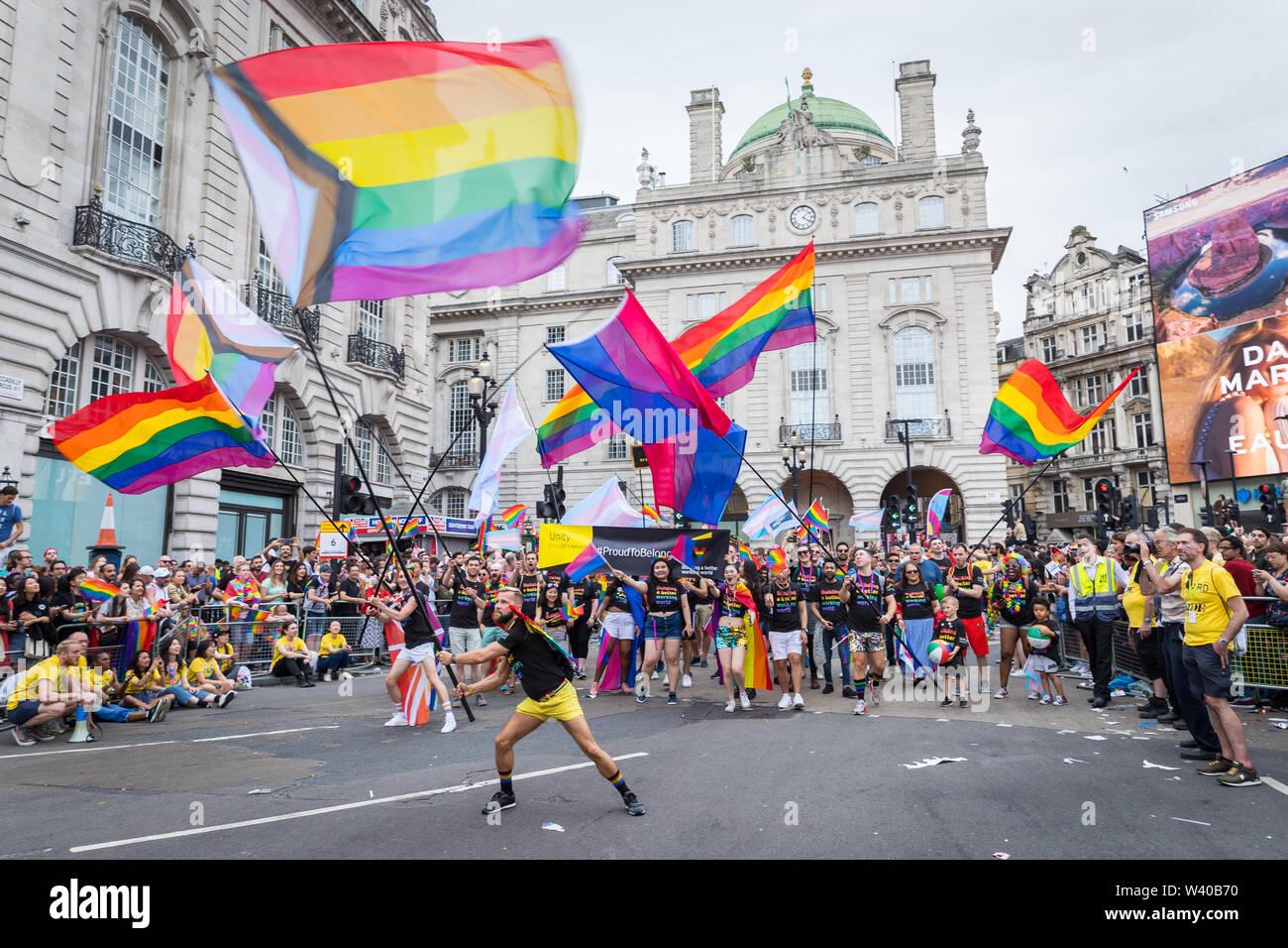 findet die Paris Gay Pride Parade( Marche des Fiertés am