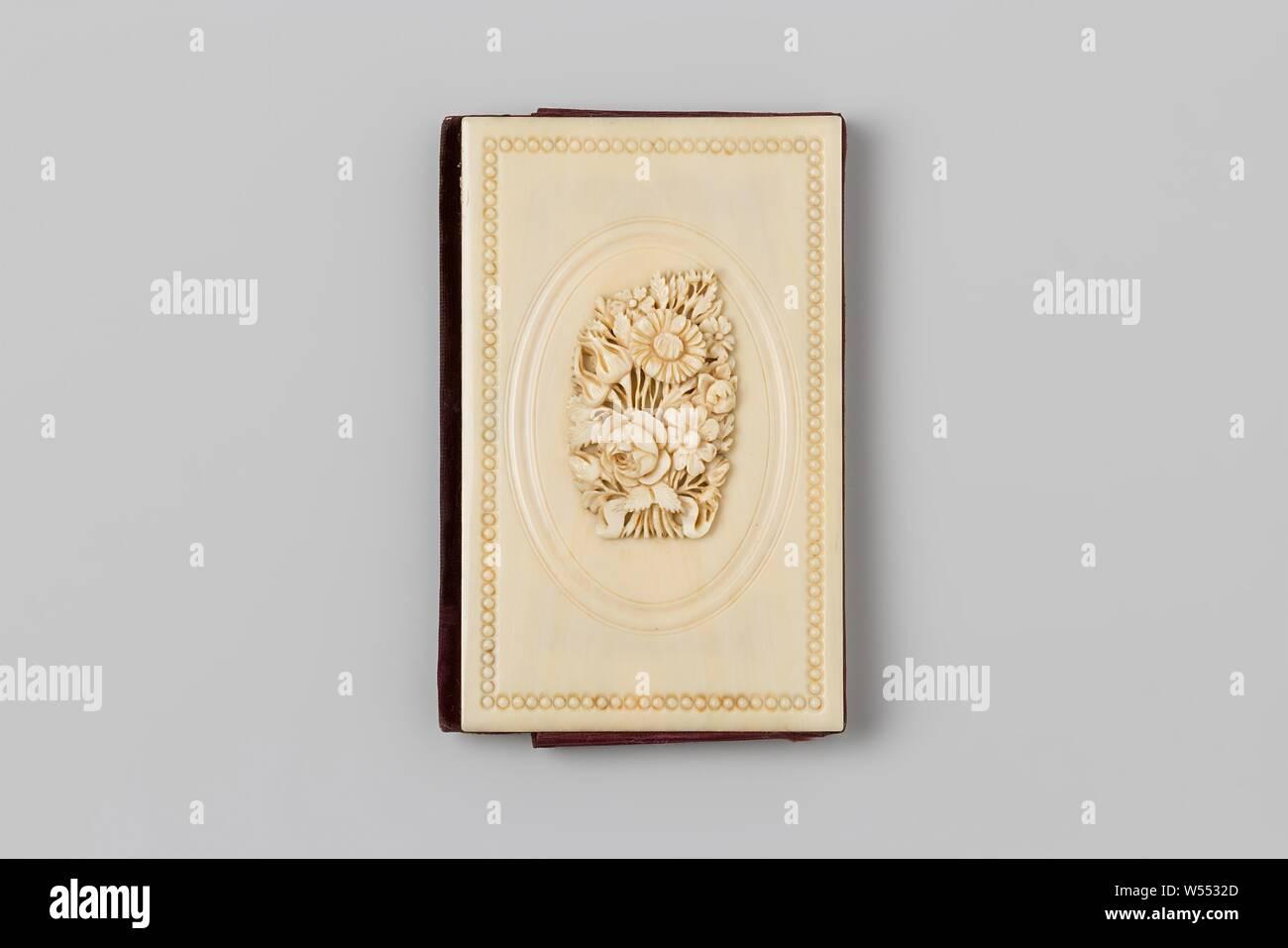 Visitenkartenhalter Aus Elfenbein Mit Geprägter Blumenstrauß