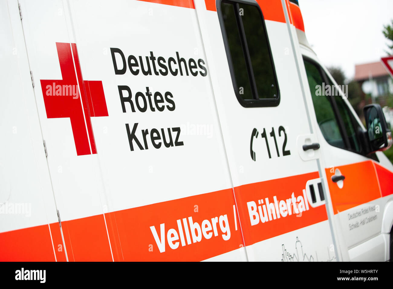 Red Cross Ambulance In Germany Stockfotos Red Cross Ambulance In