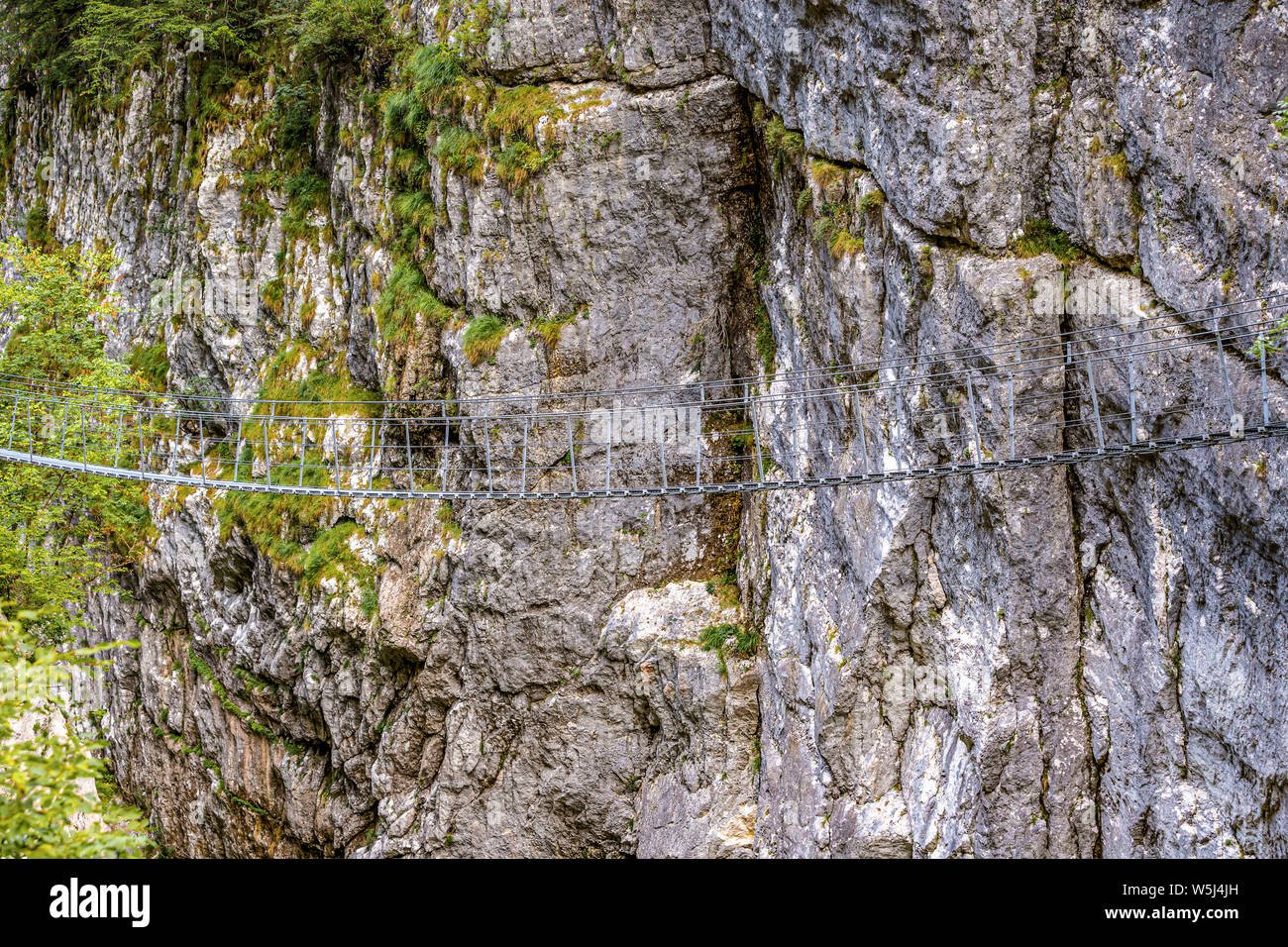 Italien Friaul Barcis Alte Straße von Val Cellina - Himalaya Brücke - Naturpark des Dolomiti Friulane Stockfoto