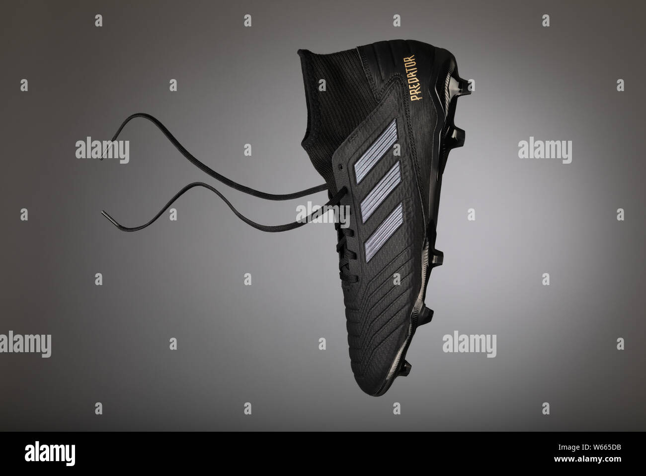 Adidas Stripes Stockfotos & Adidas Stripes Bilder Seite 2