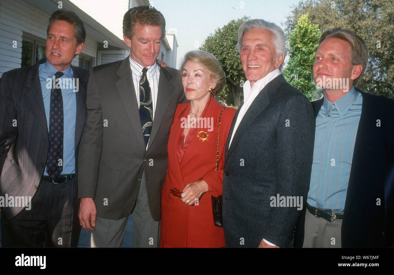 Michael Douglas, Peter Douglas, Anne Douglas, Kirk Douglas, Eric Douglas, 1992, Foto von Michael Ferguson/PHOTOlink Stockfoto
