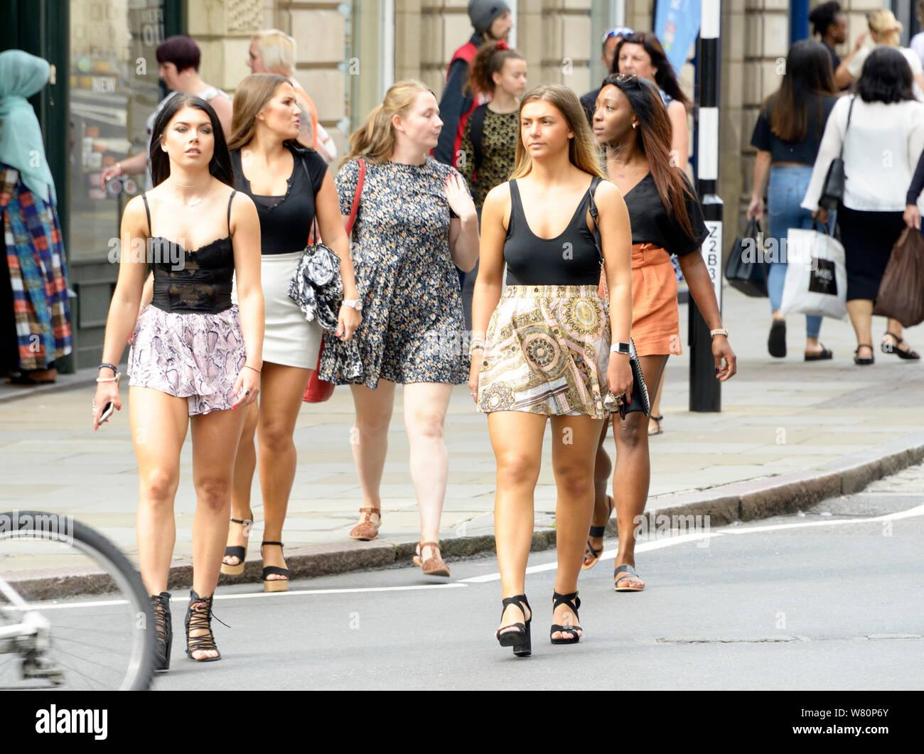 Gruppe von sommerlich, Mädchen, shopping. Stockfoto