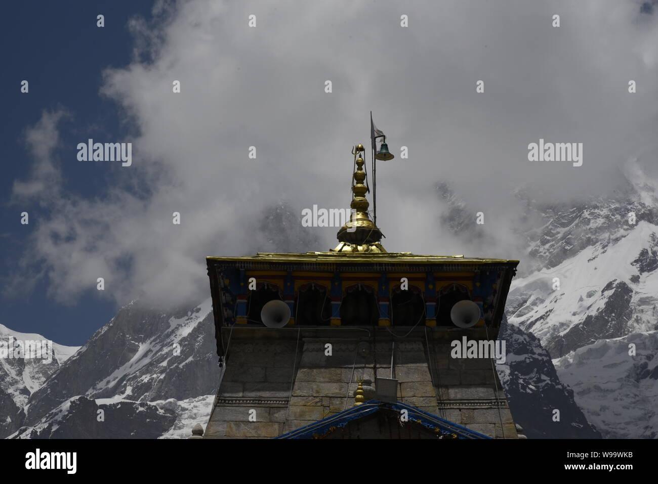 Heiligen hinduistischen Tempel des Herrn Shri Kedarnath Shankar Bholenath Tempel 2019 in Chamoli/Rudraprayag Bezirk, Uttrakhand, Indien, Asien Stockfoto
