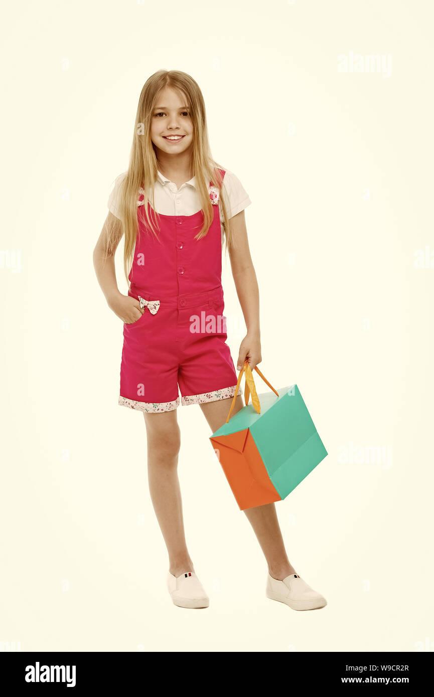 Kinder Designer Kleidung Summer Sale. Mädchen cute Teenager trägt ...