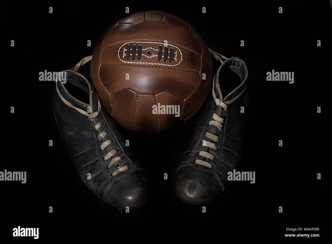 Schuhe aus dem 19. Jahrhundert mit Stollen, die zum