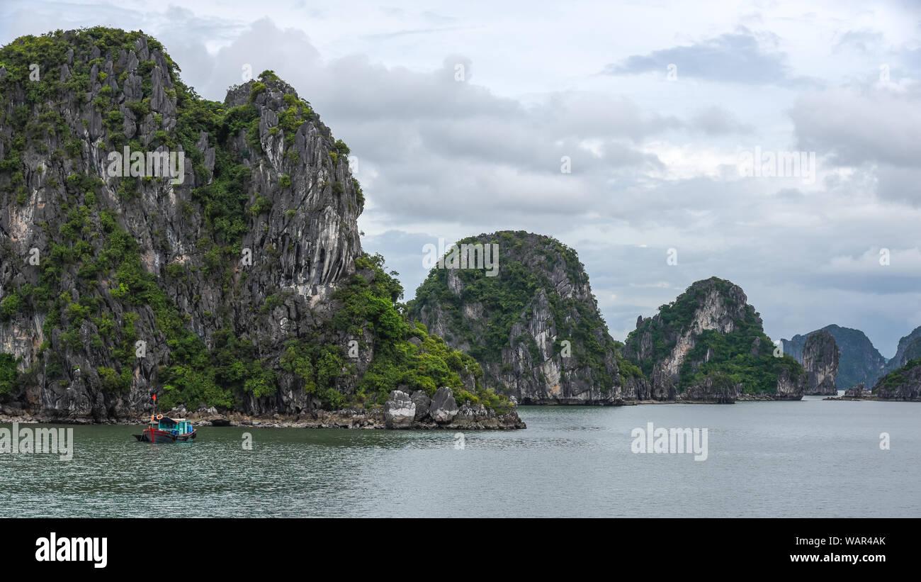 Schöne kleine Insel im Meer Stockfoto