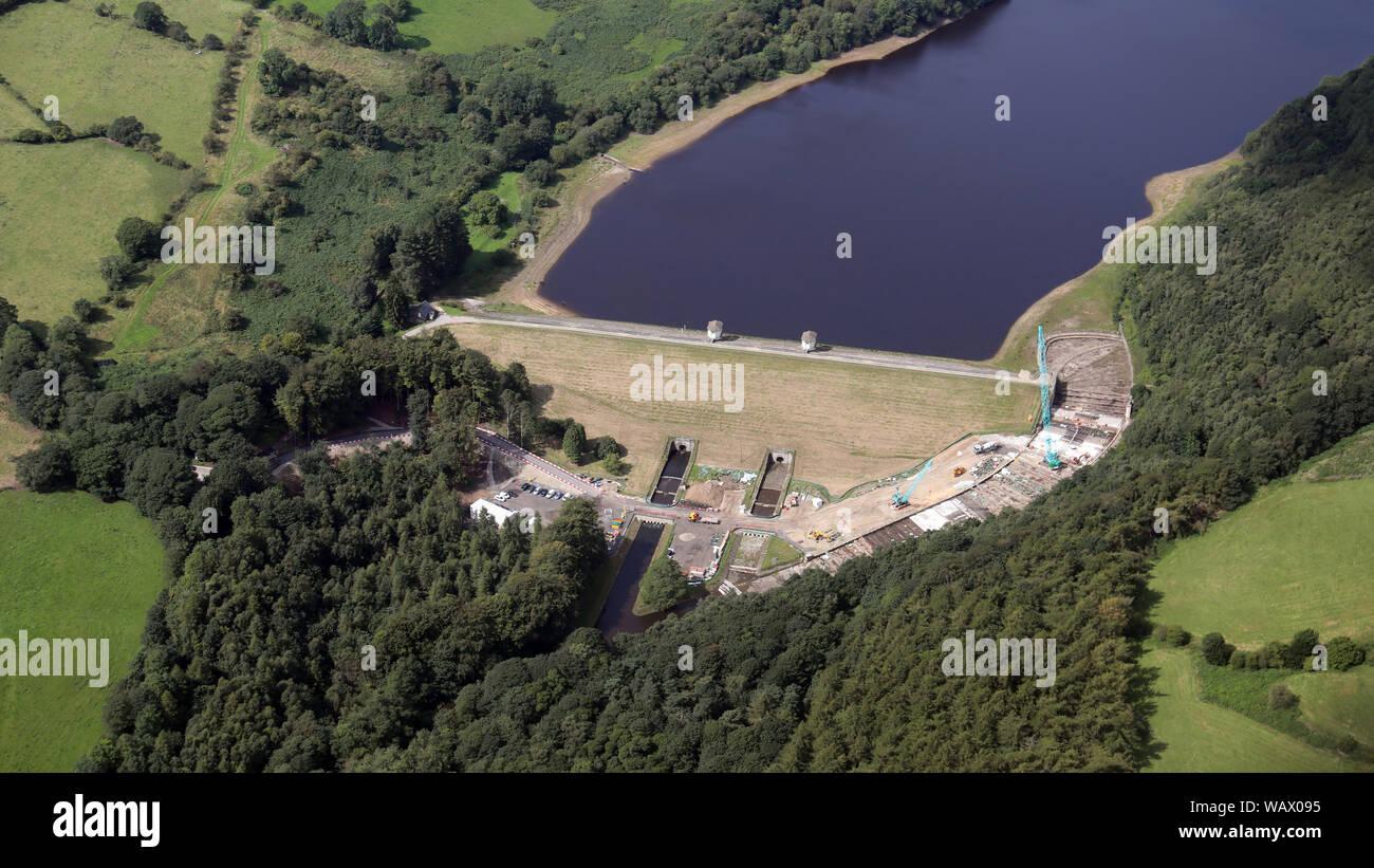 Luftaufnahme von Abhilfemaßnahmen engineering Arbeiten durchführt, den Lindley Holz Behälter, Lindley. in der Nähe Das Hotel Farnley, Otley, Yorkshire Stockfoto