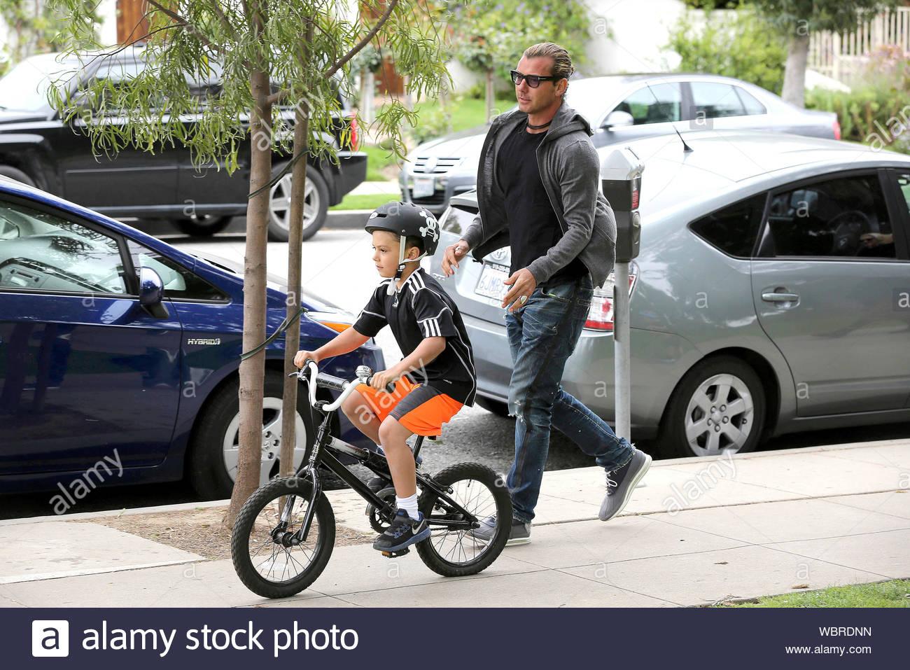 Mann strumpfhose fahrrad