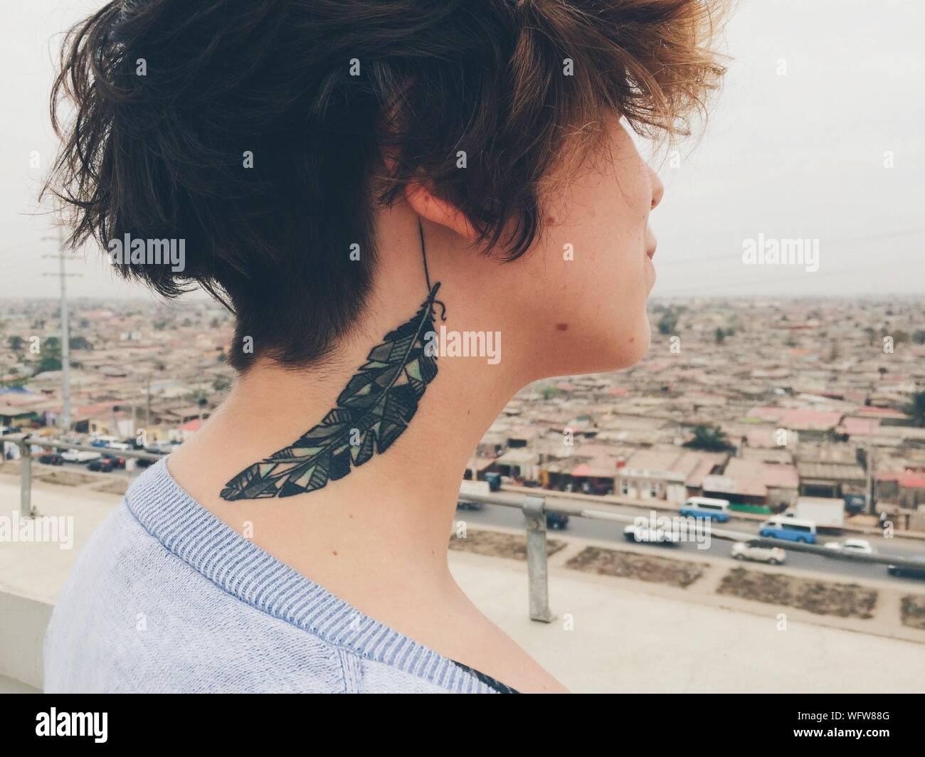 Frauen für am tattoo hals ▷ 1001+Tattoo