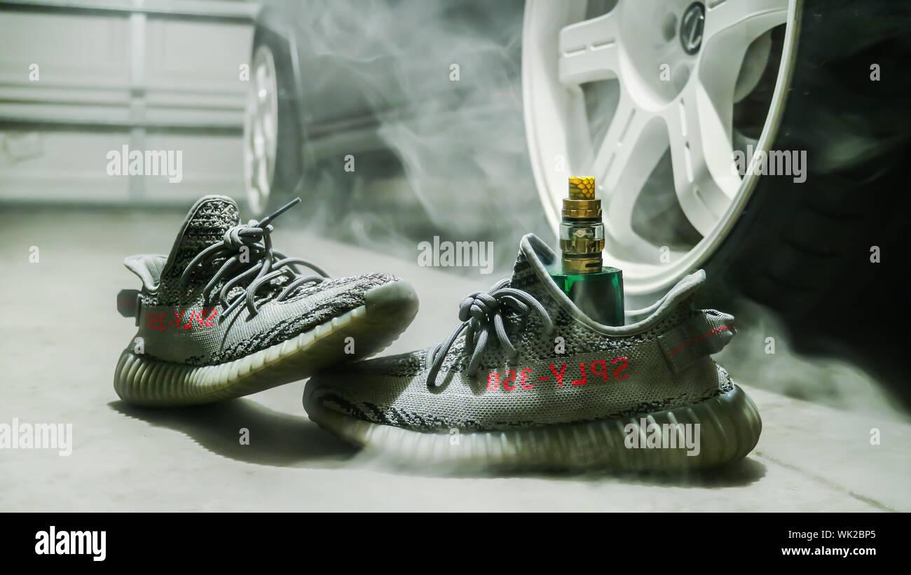 Adidas Yeezy Stockfotos & Adidas Yeezy Bilder Alamy