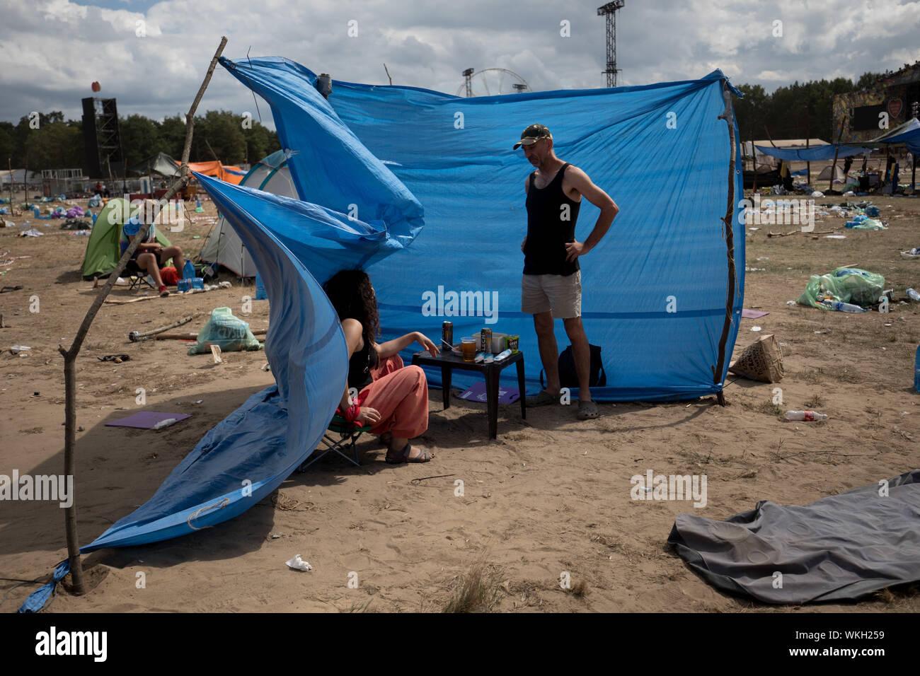Kostrzyn nad Odra, Polen - 05 August 2018: die Sicht der Menschen auf Camping während Pol und Rock Festival früher Woodstock Festival Stockfoto