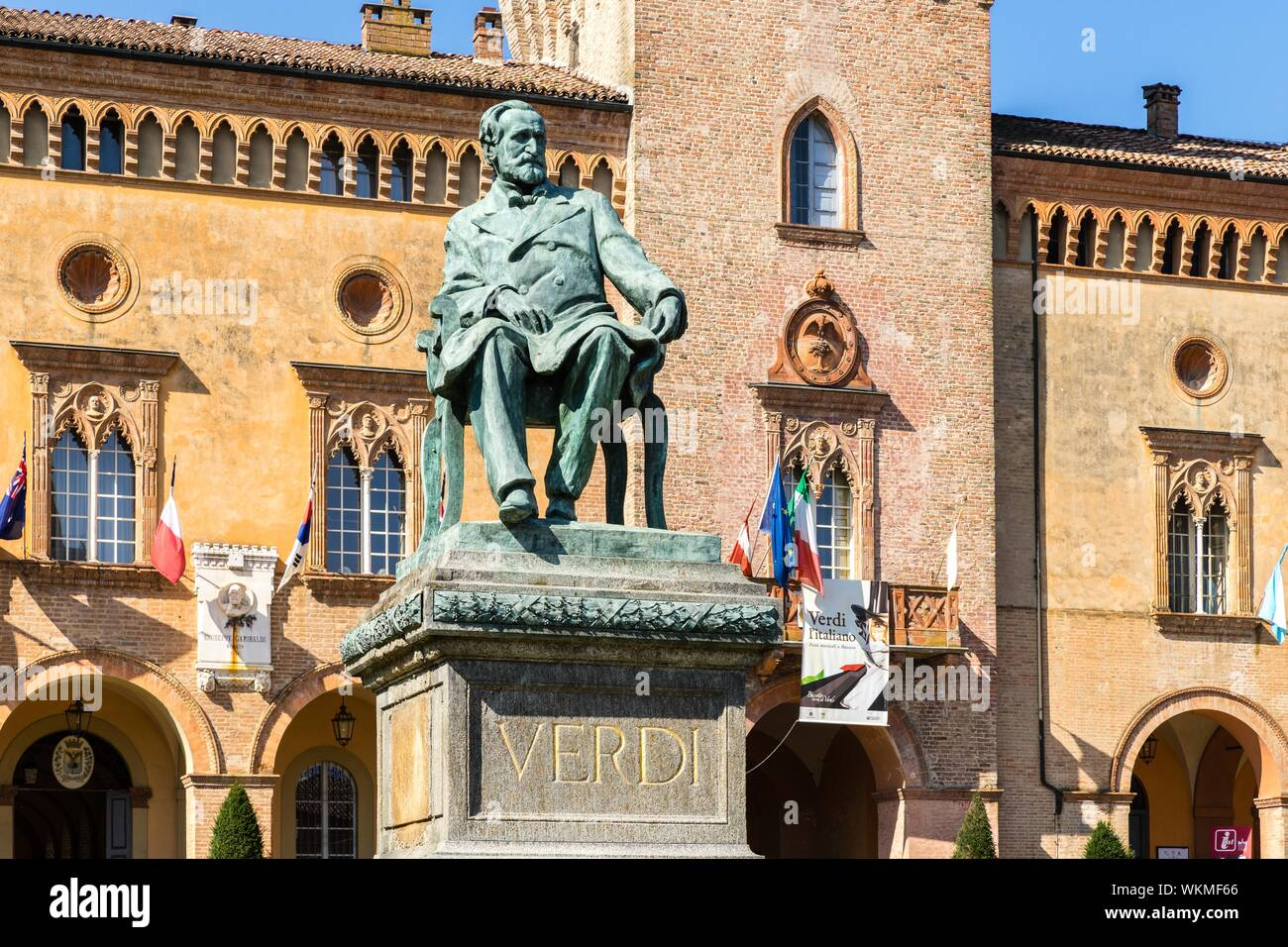 Teatro Verdi Parma Stockfotos & Teatro Verdi Parma Bilder ...