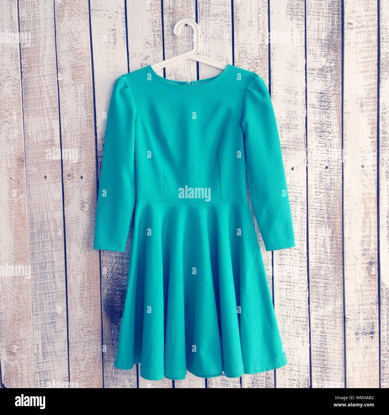 Türkisfarbenes Kleid Stockfotos und -bilder Kaufen - Alamy