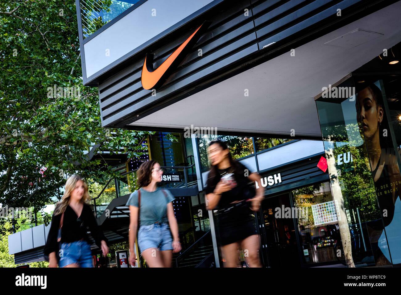 Nike Store Germany Stockfotos & Nike Store Germany Bilder