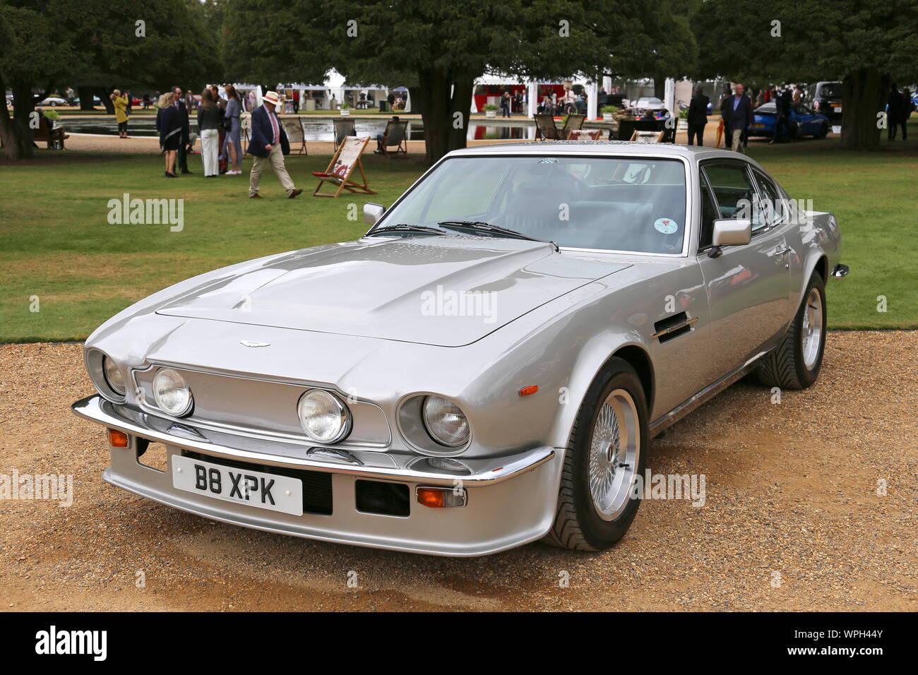 Aston Martin V8 Vantage Stockfotos Und Bilder Kaufen Alamy