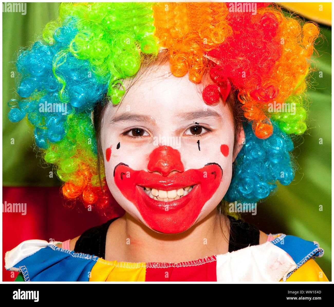 Madchen Clown Gesicht Stockfotos Madchen Clown Gesicht Bilder
