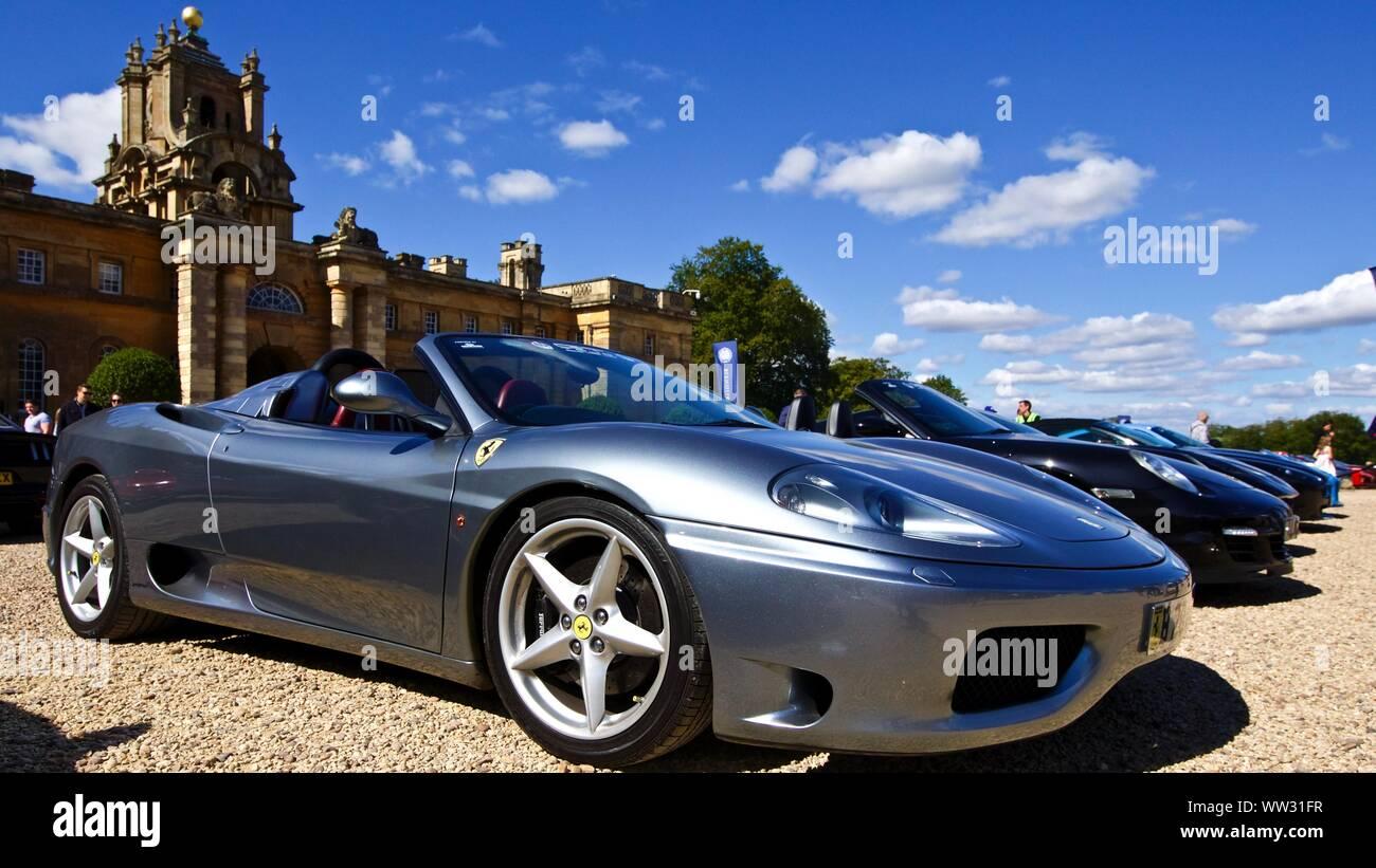 Ferrari 360 Modena Spider In Der Große Hof Bei Blenheim Palace Am 22 September 2019 Stockfotografie Alamy