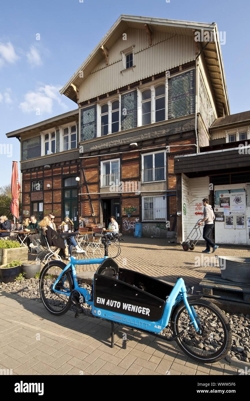 Radweg Nordbahntrasse und ehemaliger Bahnhof Mirke Wuppertal, Nordrhein-Westfalen, Deutschland, Europa Stockfoto