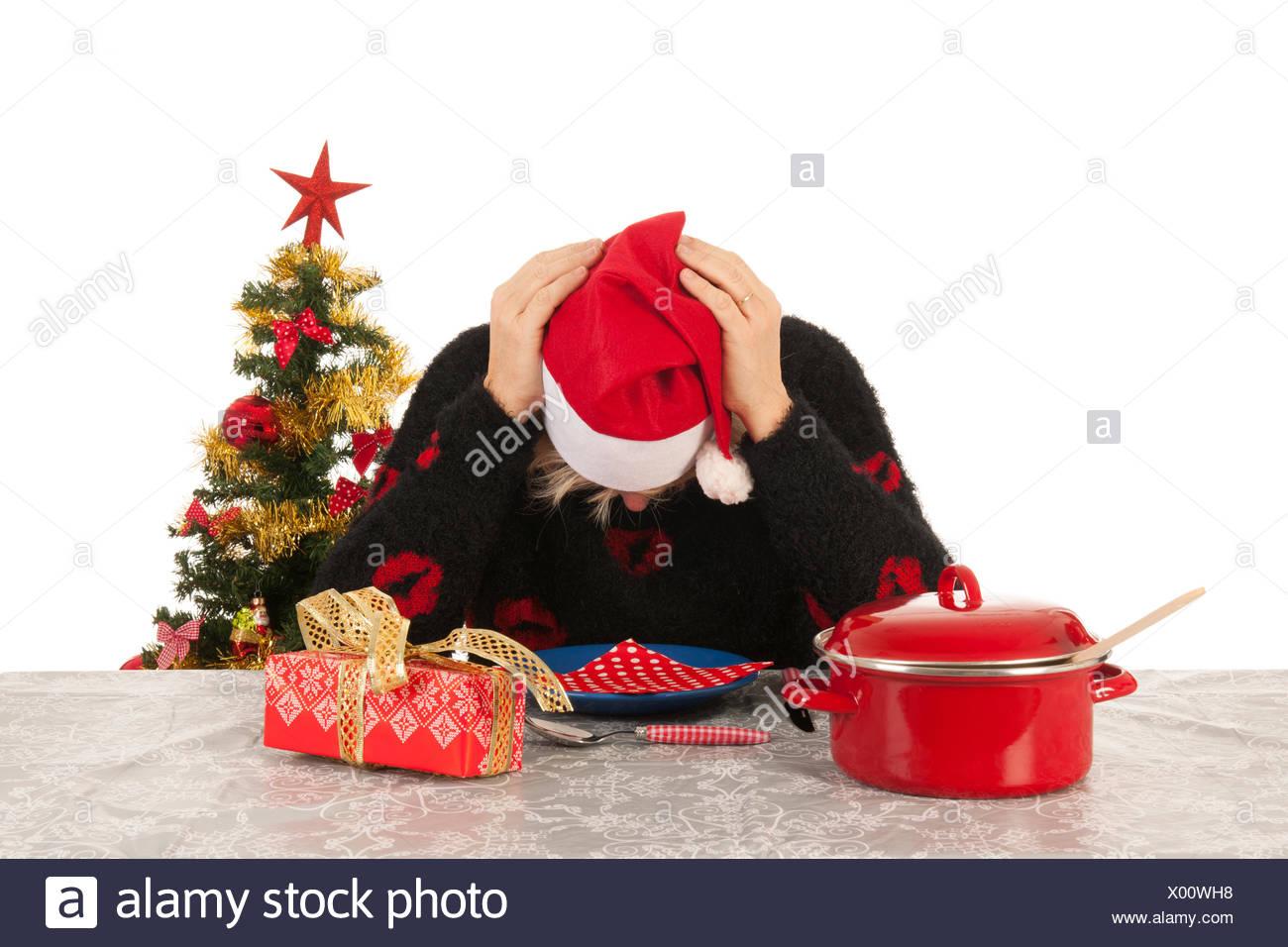 frau im reifen alter allein mit weihnachten stockfoto. Black Bedroom Furniture Sets. Home Design Ideas