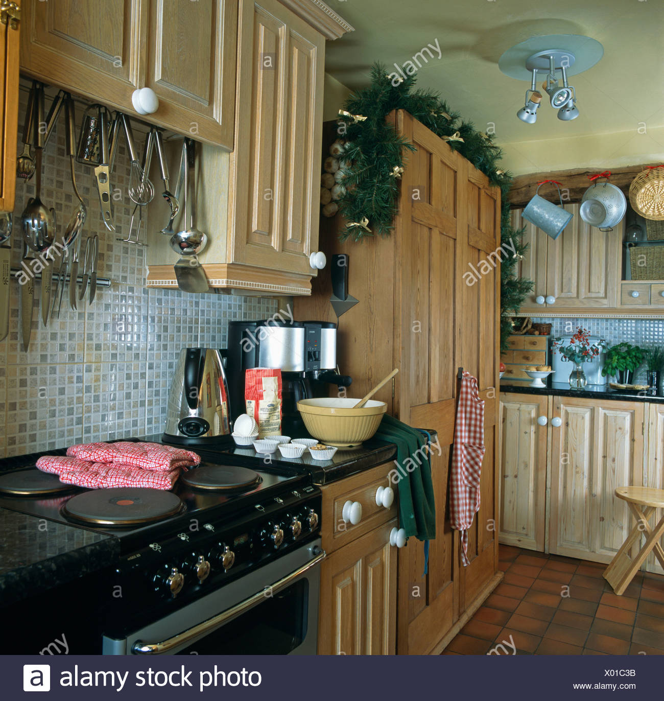 Interiors Kitchen Storage Appliances Stockfotos & Interiors Kitchen ...