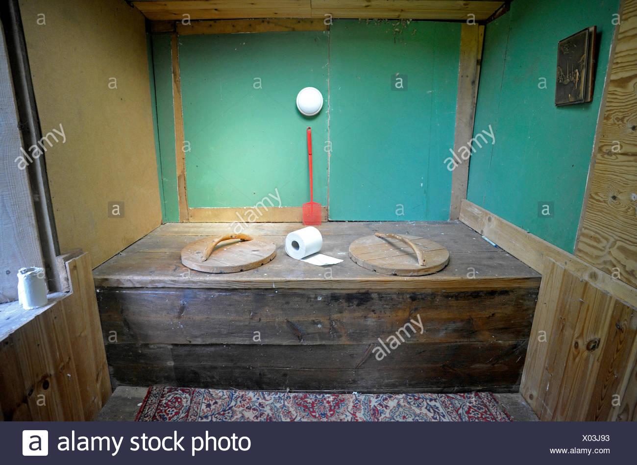 Toilette Zweisamkeit Hygiene Romantik Toilette Zweisamkeit Hygiene Durchfall Stockbild
