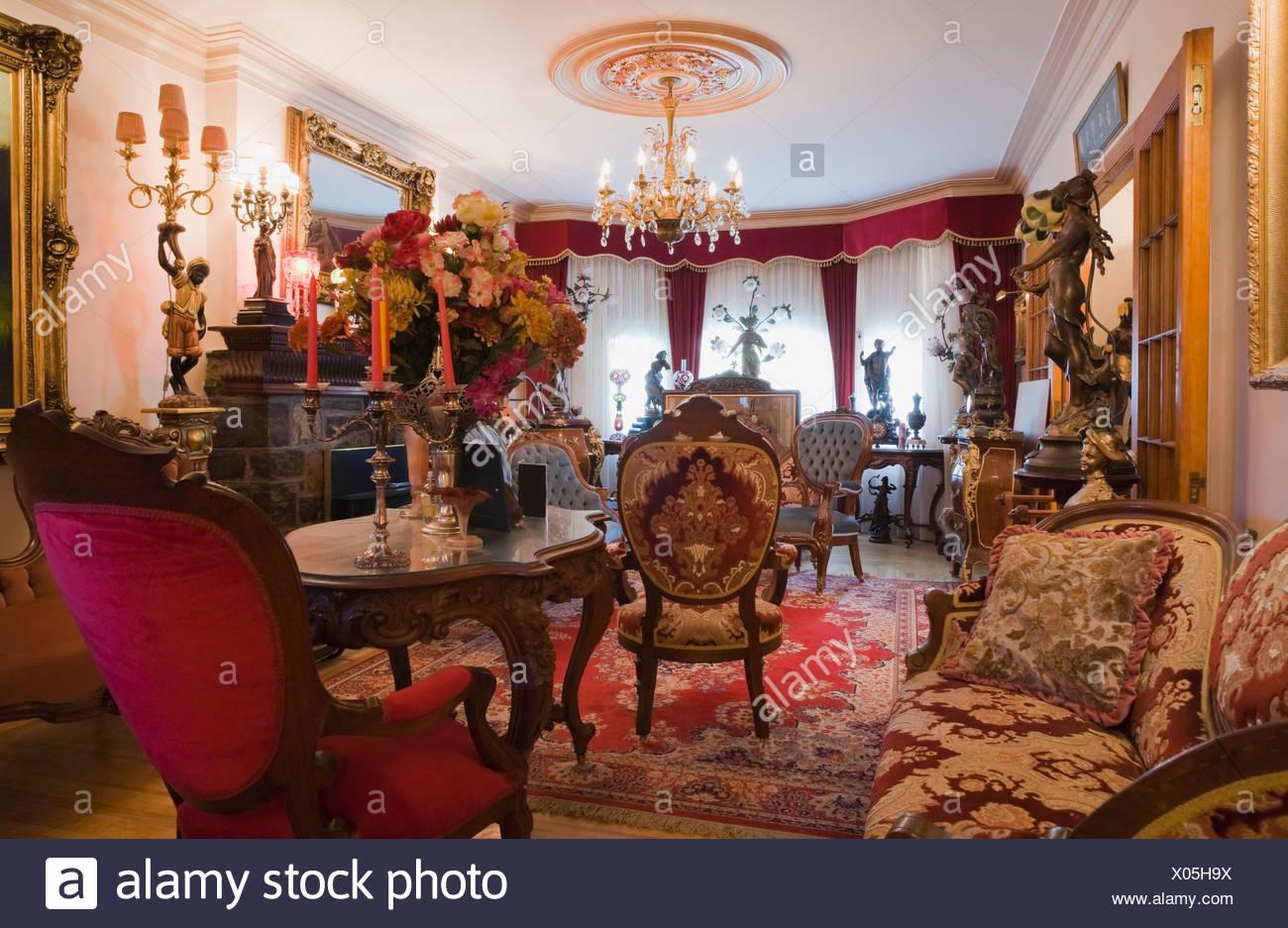 Antike Möbel Möbel schmücken ein Wohnzimmer in ein viktorianisches ...
