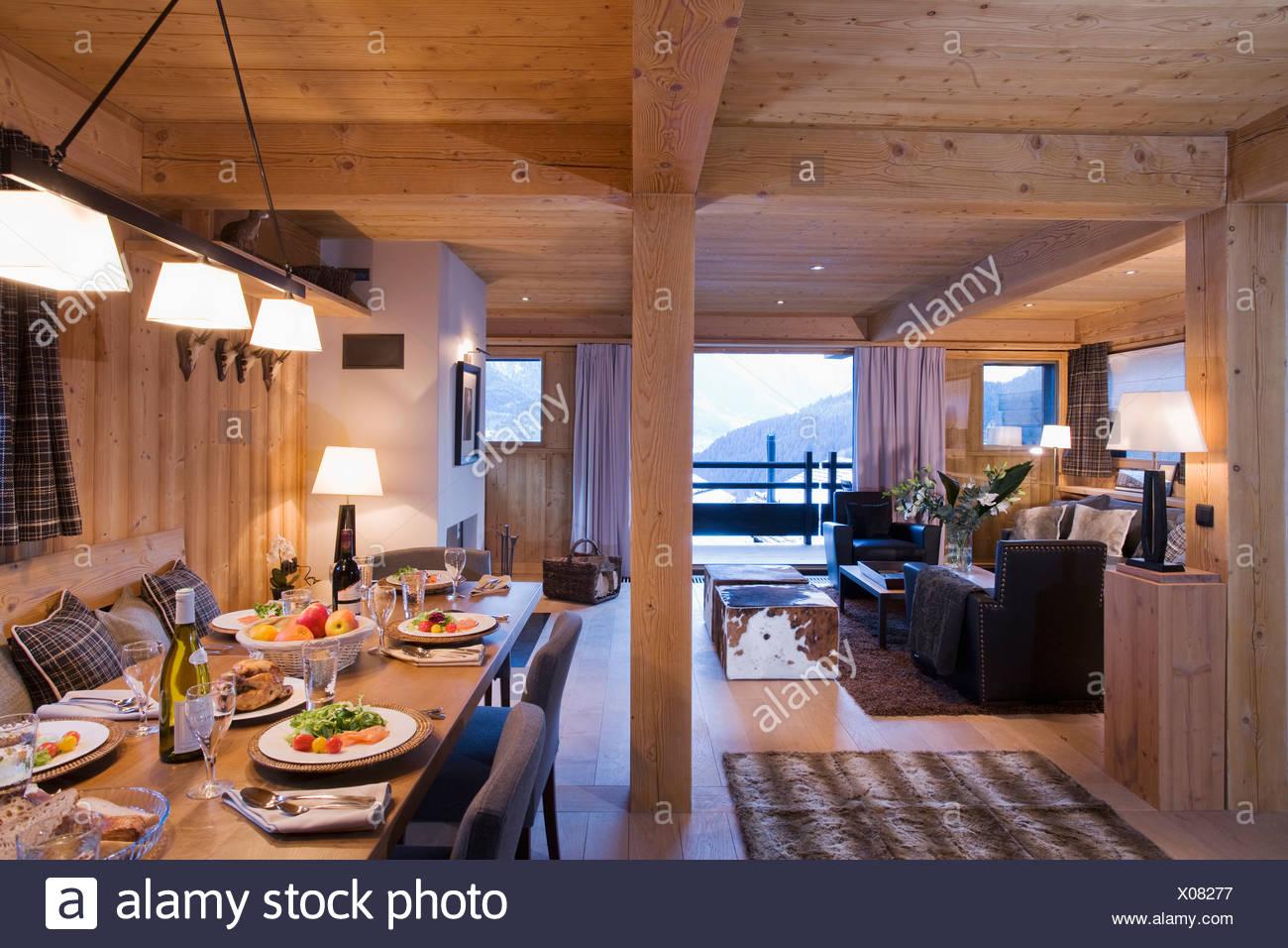 Alpine Chalet Interior Stockfotos & Alpine Chalet Interior ...