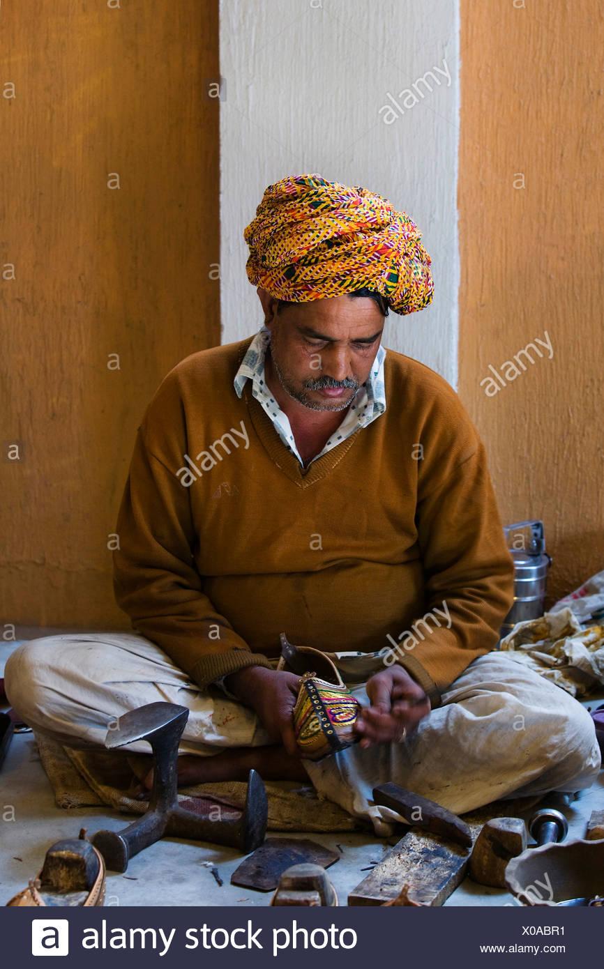 Indische Schuhmacher, Nordindien, Indien, Asien Stockbild
