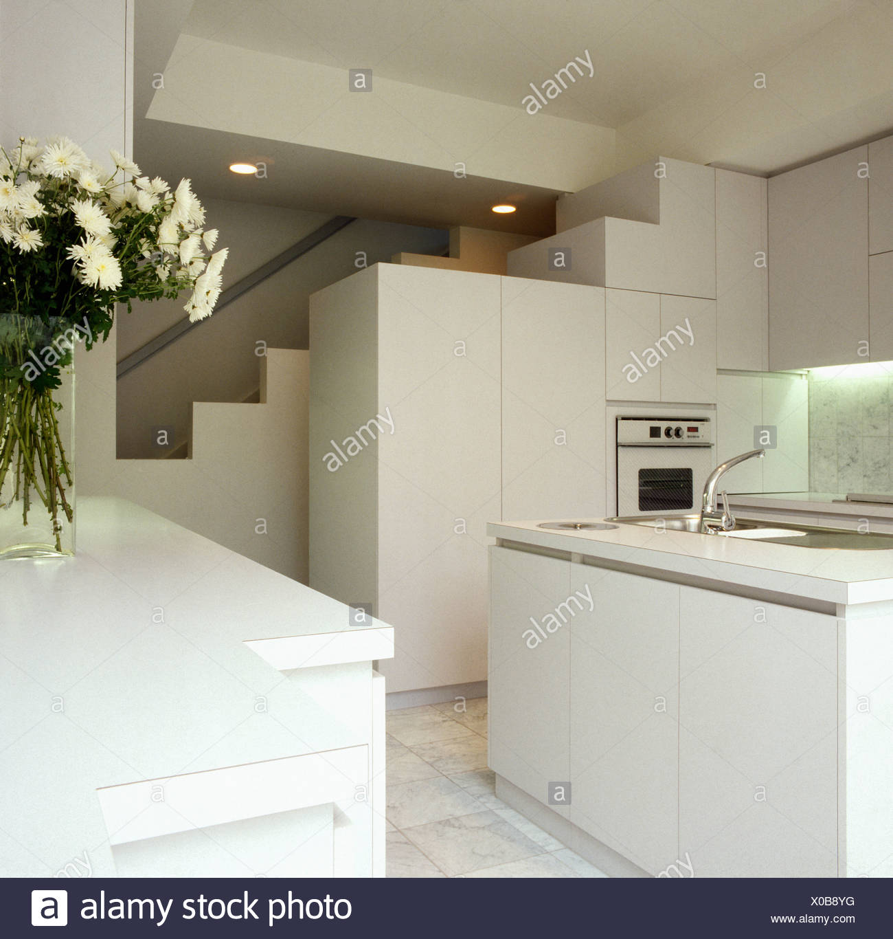 White Basement Stockfotos & White Basement Bilder - Alamy