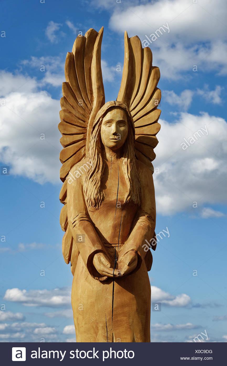 Angel wood carving stockfotos & angel wood carving bilder alamy