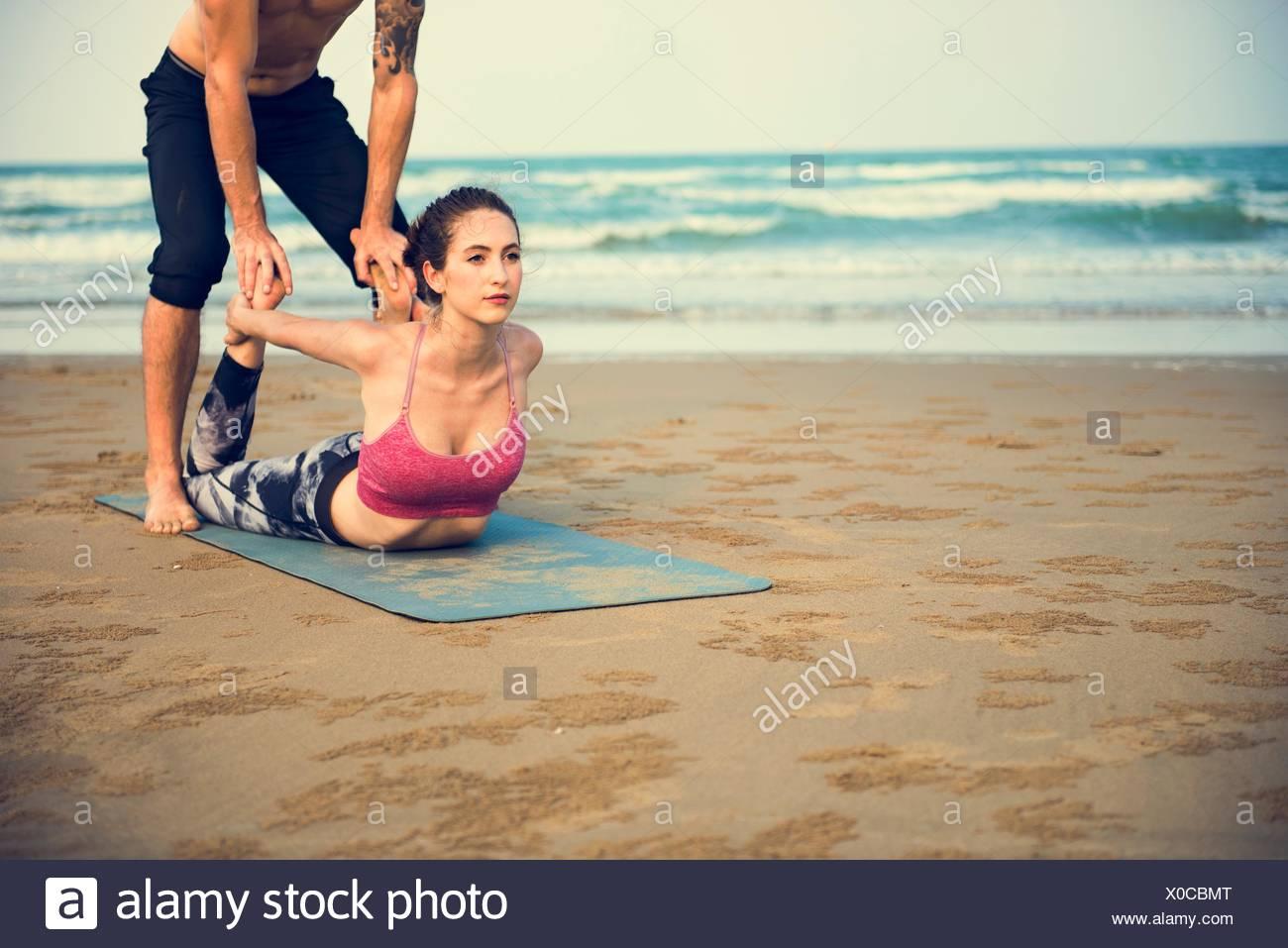 Yoga-Übung Dehnung Meditation Konzentration Sommer Konzept Stockbild