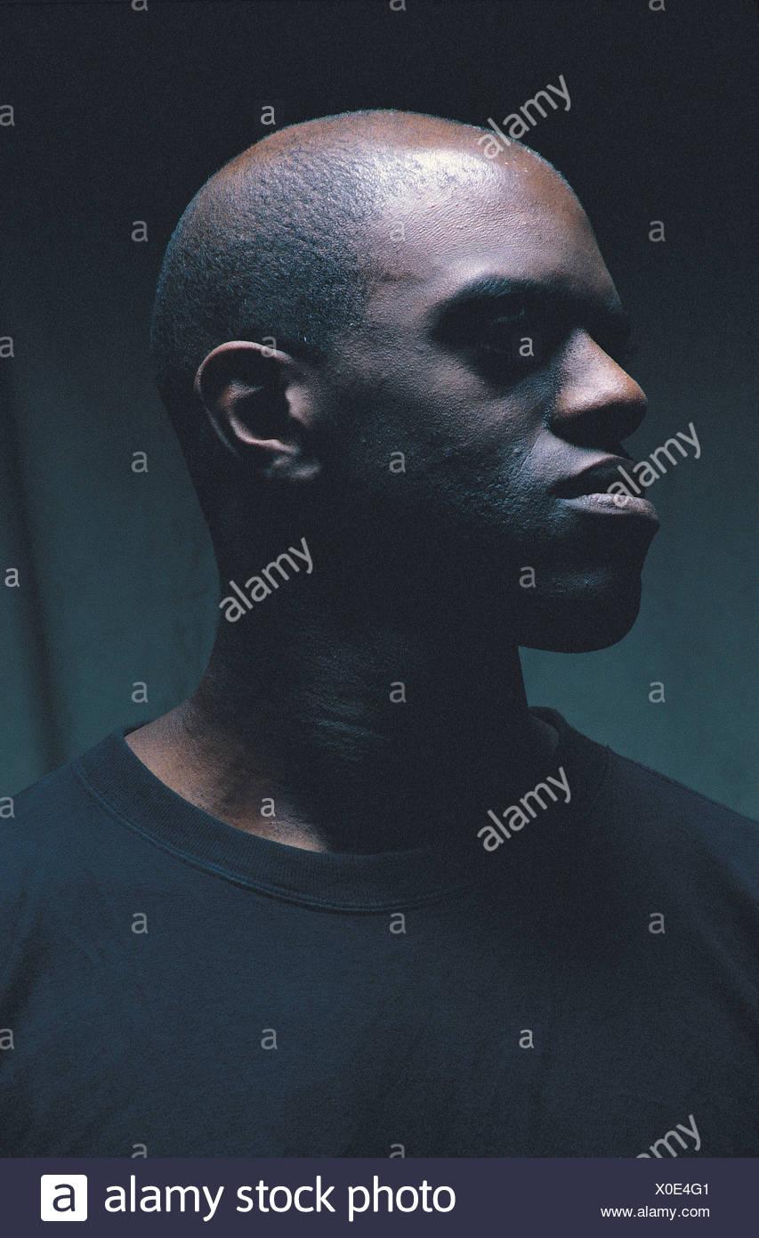 Schwarzes mädchen, das hispanischen kerl datiert