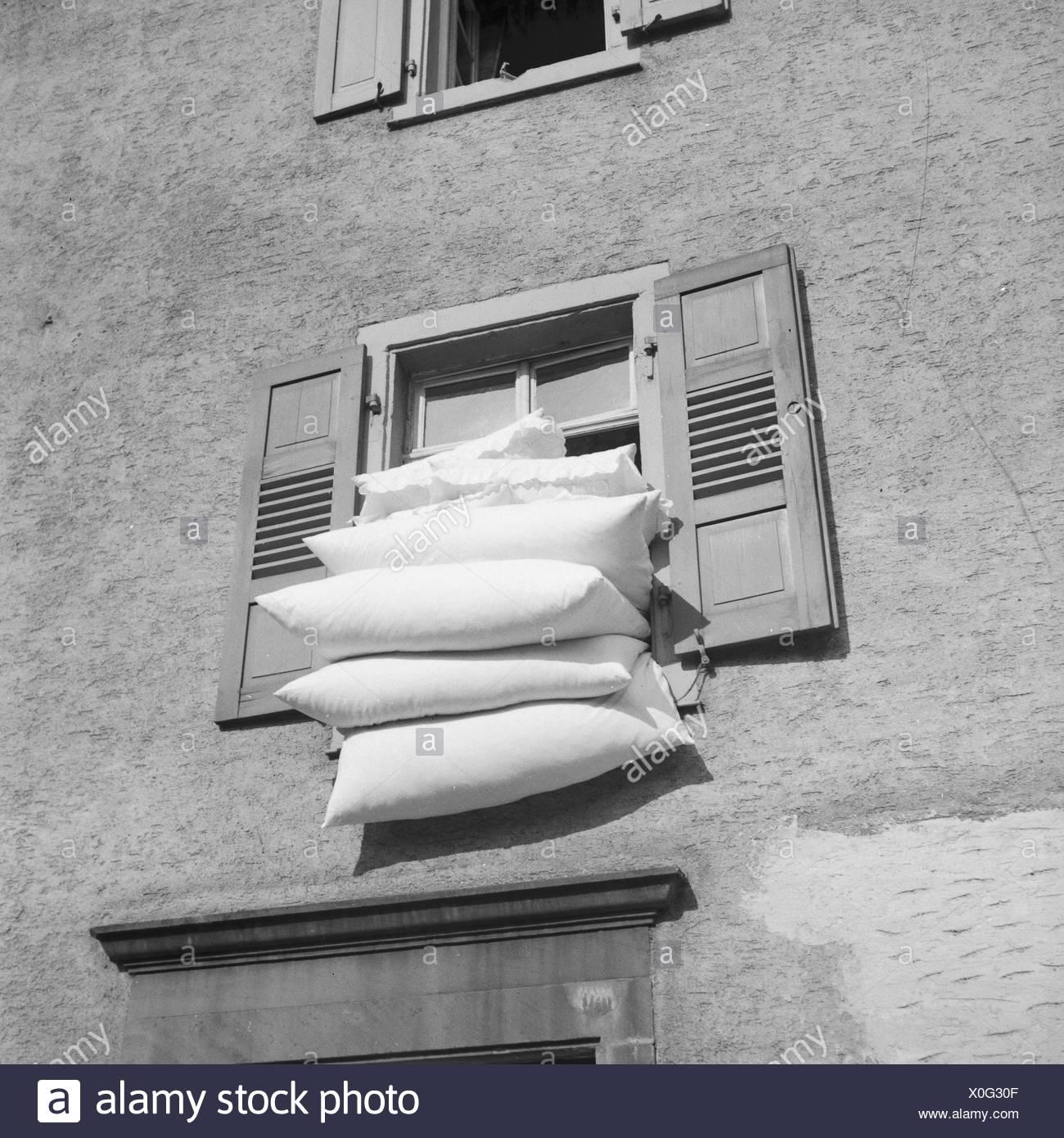 bettzeug eine der frischen luft in frankfurt am main deutschland 1930er jahre die bettw sche. Black Bedroom Furniture Sets. Home Design Ideas