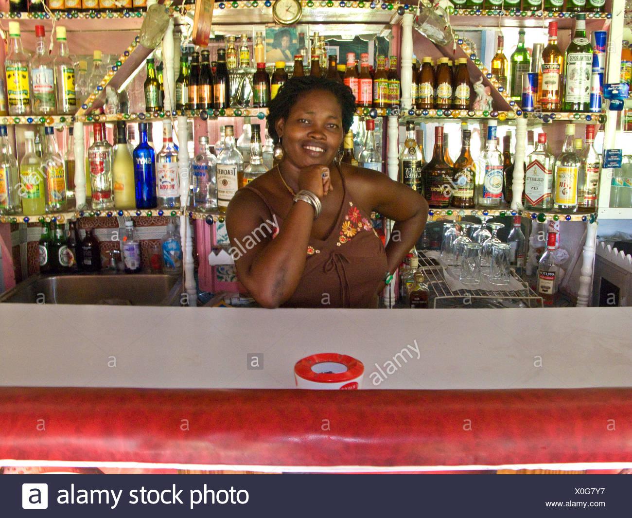 Eine Barkeeperberatung datiert