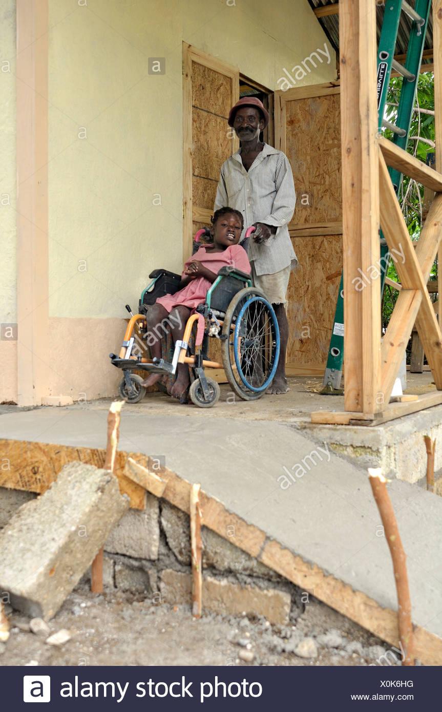 Disabled girl in wheelchair stockfotos disabled girl in - Rampe bauen fur rollstuhl ...